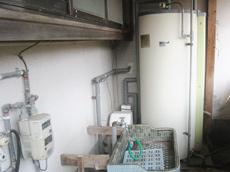 電気温水器 施工前