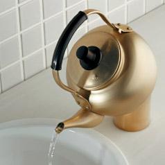 やかん水栓